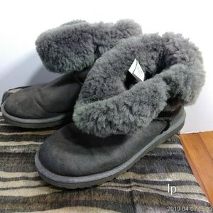 UGG women's sheepskin ankle boots gray size 8